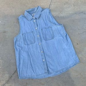 Madewell Sleeveless Denim Button Down